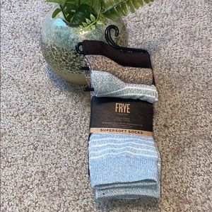 🆕 Frye Super soft Crew Socks